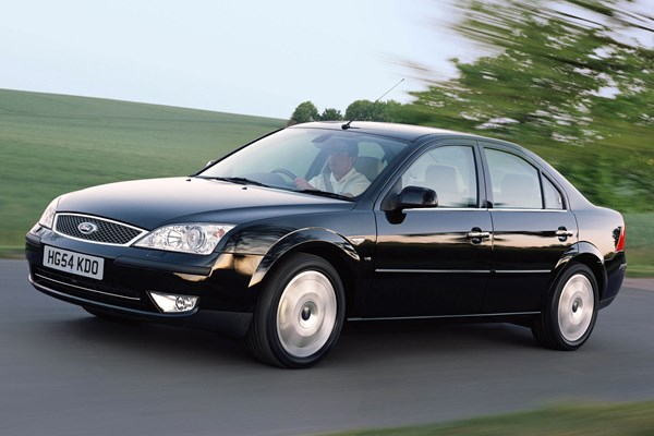 ford mondeo hatchback review 2000 2007 parkers. Black Bedroom Furniture Sets. Home Design Ideas