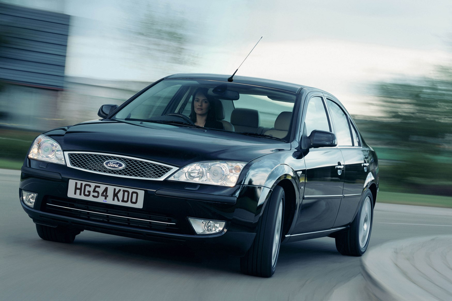ford mondeo hatchback 2000 2007 driving performance parkers. Black Bedroom Furniture Sets. Home Design Ideas