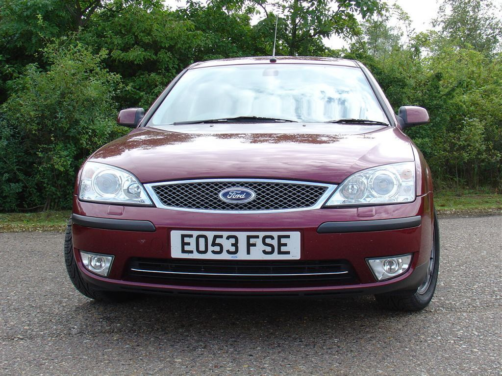 ford mondeo hatchback 2000 2007 photos parkers. Black Bedroom Furniture Sets. Home Design Ideas