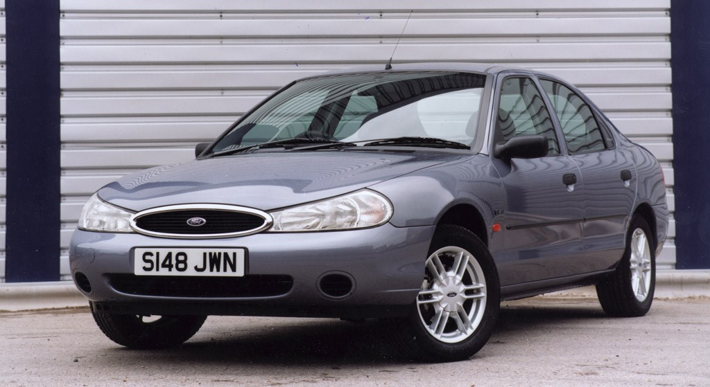 ford mondeo hatchback 1993 2000 photos parkers. Black Bedroom Furniture Sets. Home Design Ideas