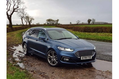 Ford Mondeo Specs Dimensions Facts Figures Parkers