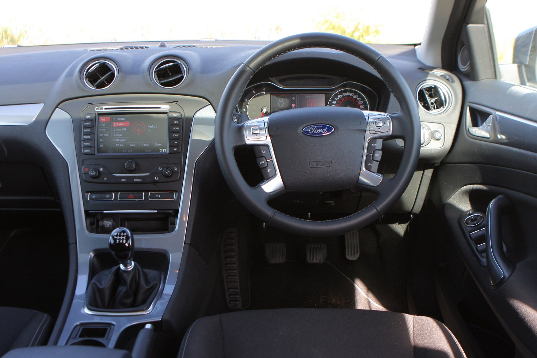 View all images of the Ford Mondeo Estate (07-14) & Ford Mondeo Estate Review (2007 - 2014) | Parkers markmcfarlin.com