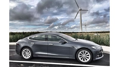 Tesla Model S Saloon Long Range auto 5d