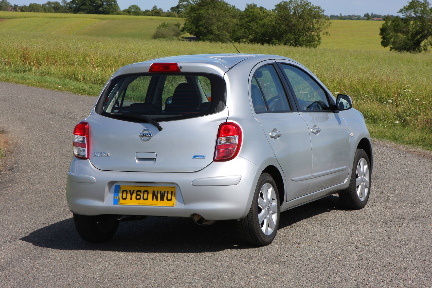 nissan micra hatchback 2010 photos parkers. Black Bedroom Furniture Sets. Home Design Ideas
