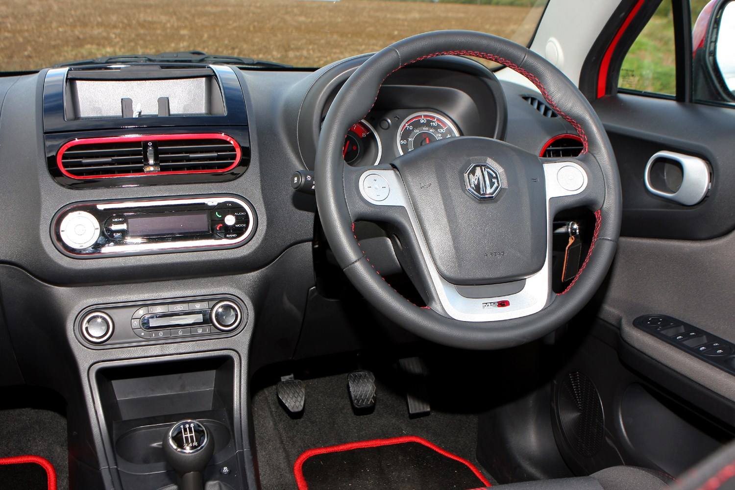 kia picanto used car kia picanto prices in uae gulf specs reviews for kia picanto. Black Bedroom Furniture Sets. Home Design Ideas