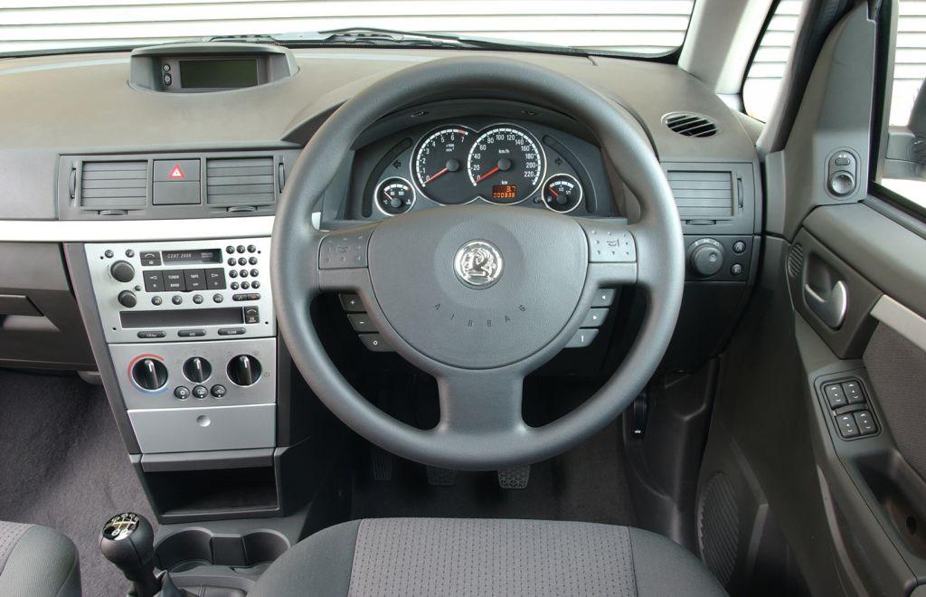 Vauxhall meriva estate 2003 2010 driving performance for Opel corsa 2010 interior