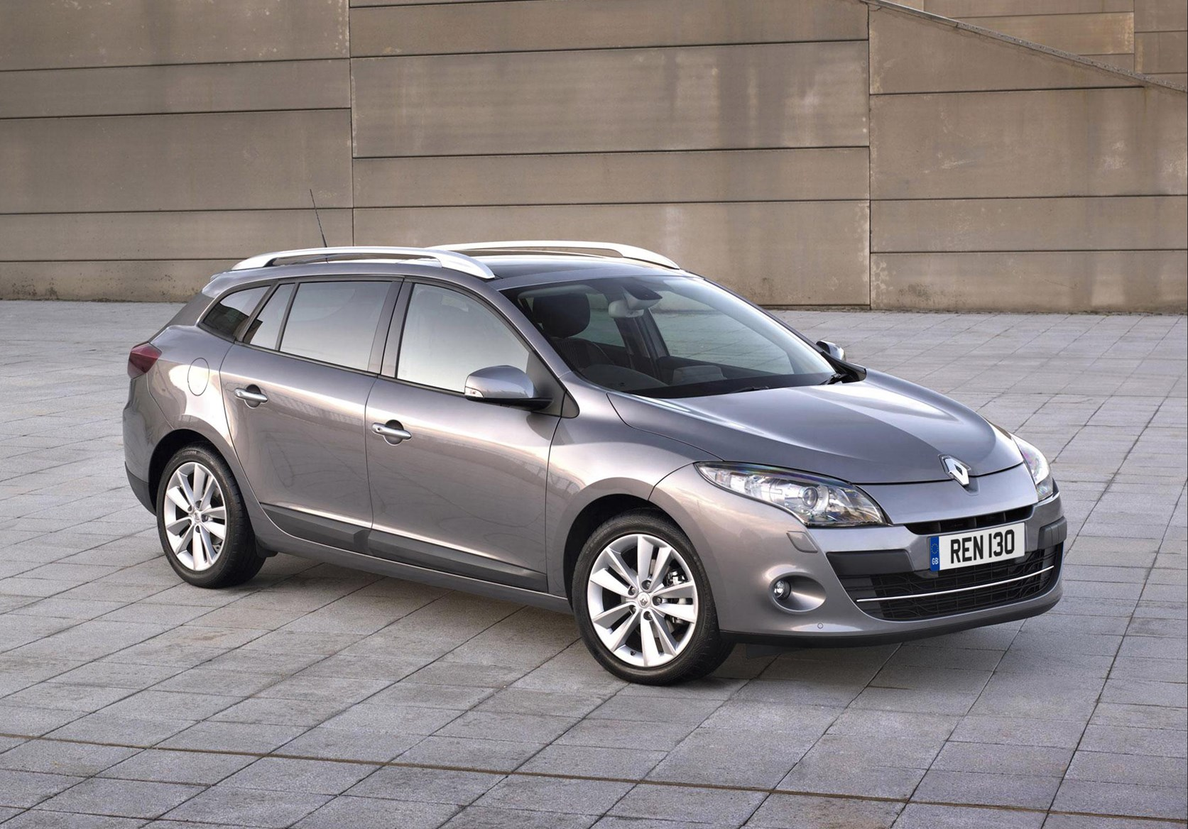 renault megane sport tourer review 2009 parkers. Black Bedroom Furniture Sets. Home Design Ideas