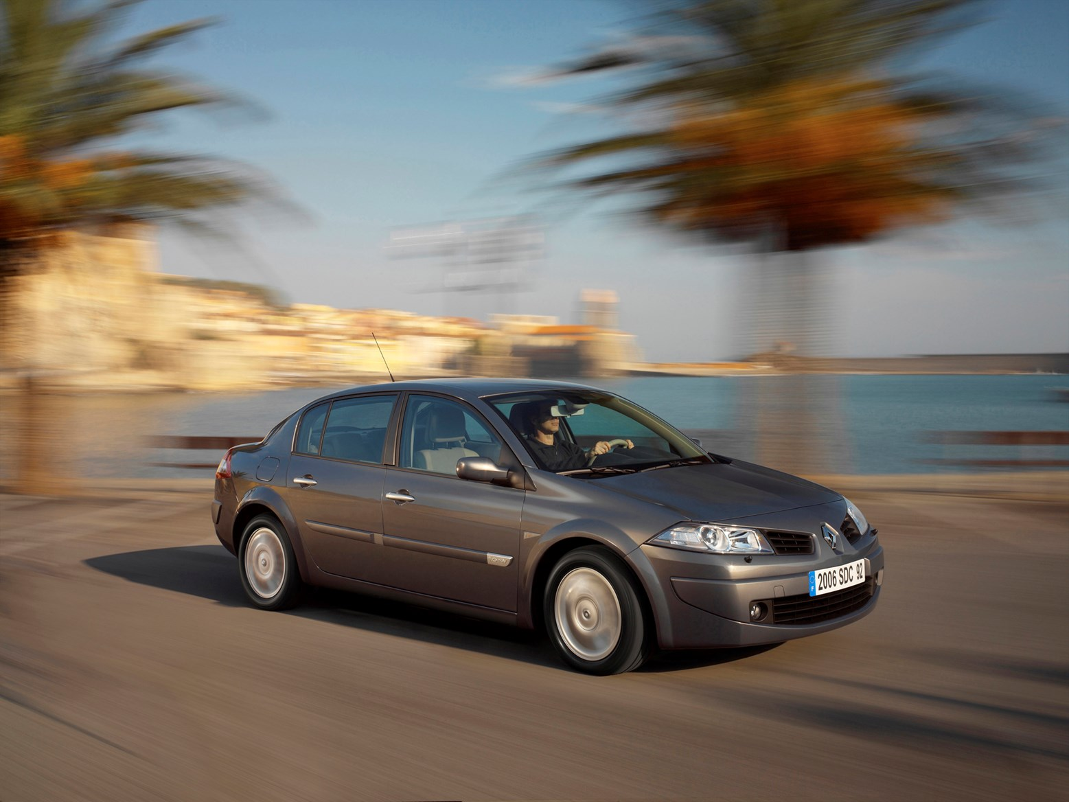 View All Images Of The Renault Megane Saloon 06 09
