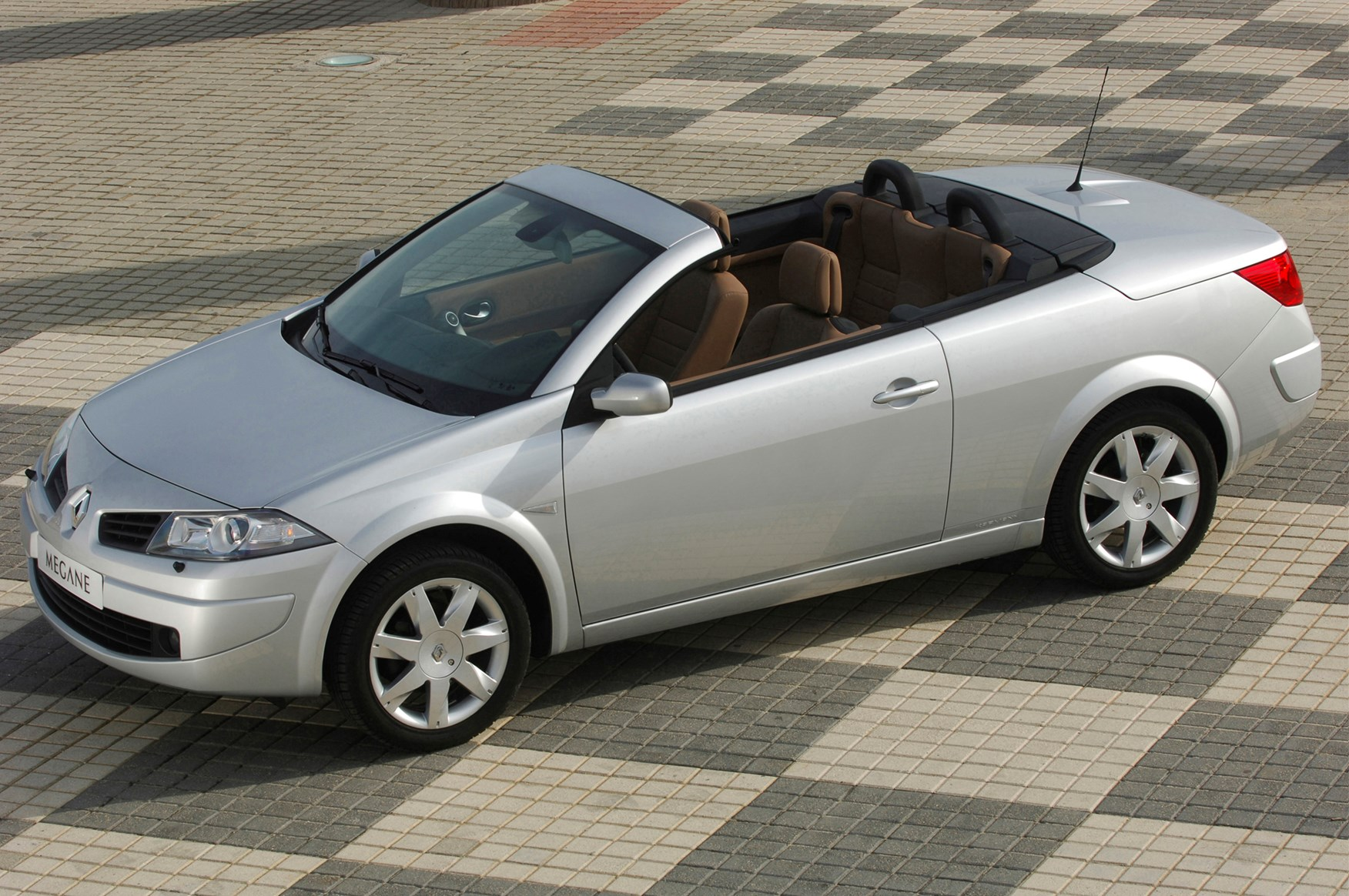 renault megane cabriolet review 2006 2009 parkers. Black Bedroom Furniture Sets. Home Design Ideas