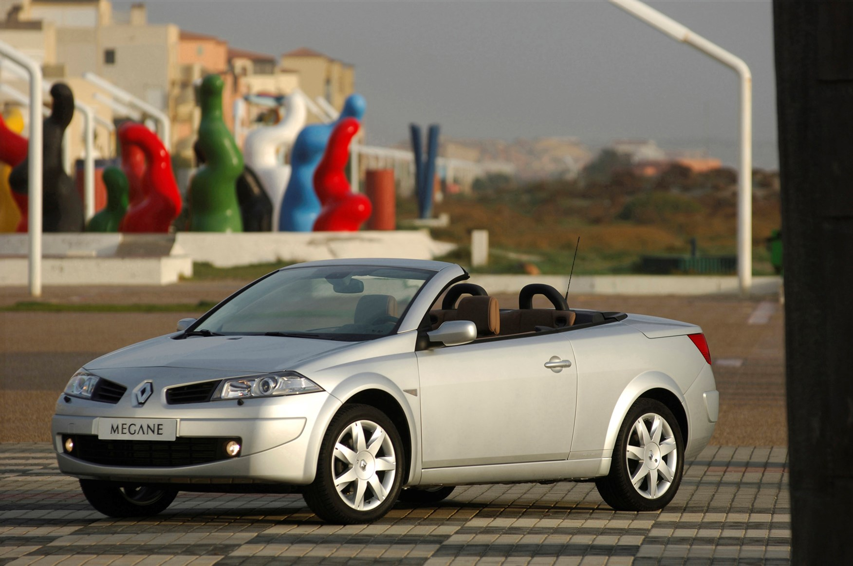 renault megane cabriolet 2003 2005 photos parkers. Black Bedroom Furniture Sets. Home Design Ideas