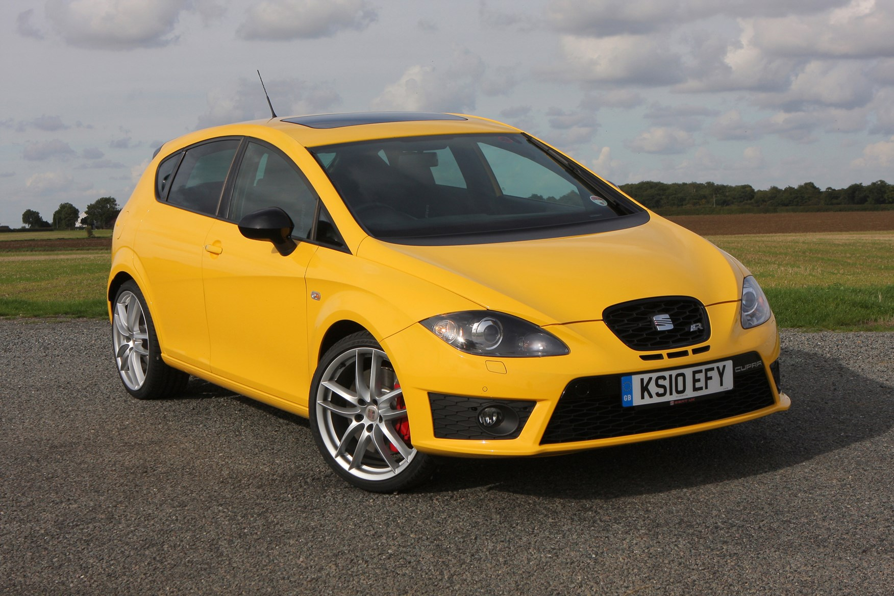 seat leon cupra r 2010 2012 photos parkers. Black Bedroom Furniture Sets. Home Design Ideas
