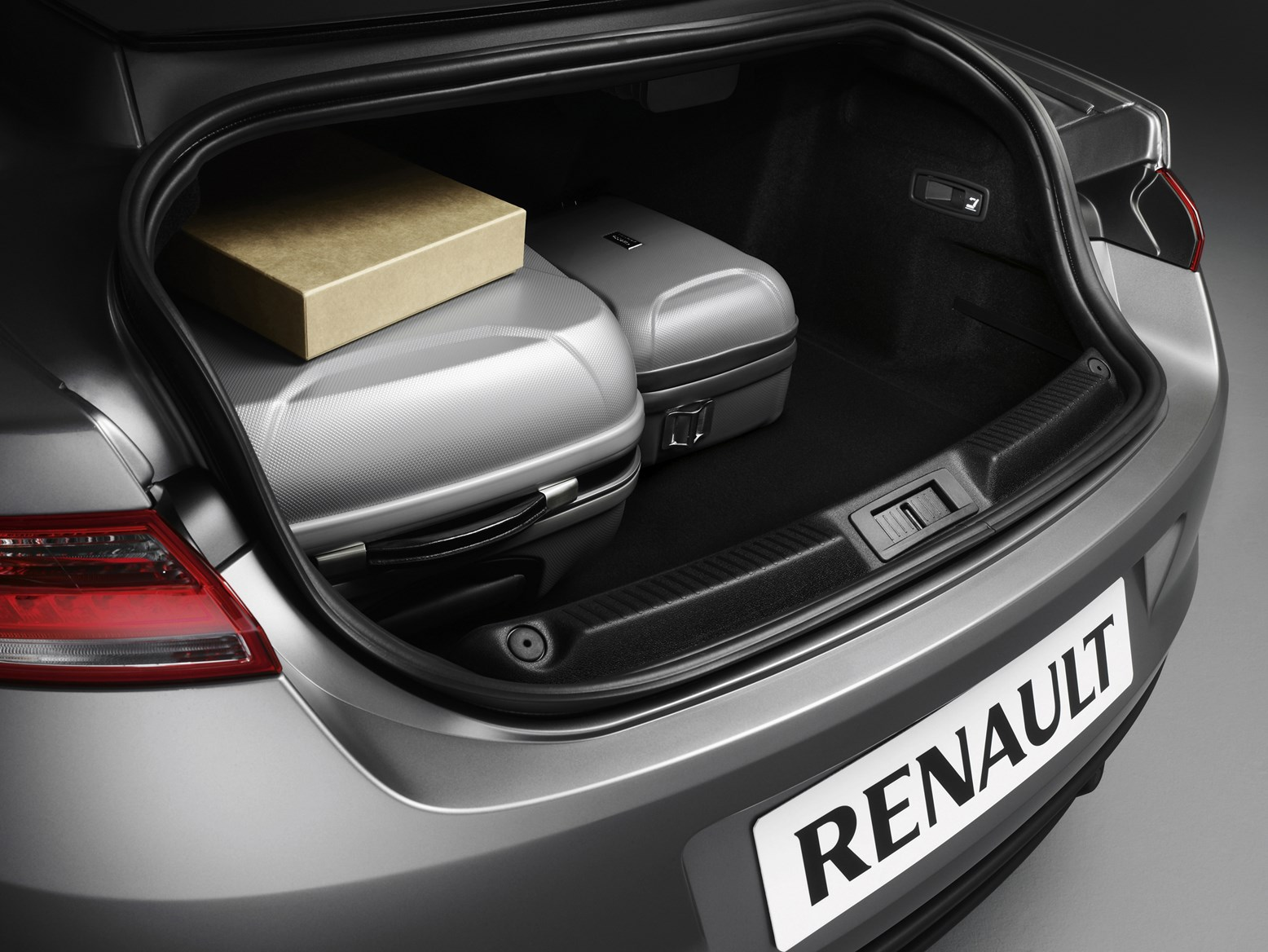 renault laguna coup 2008 2012 features equipment and accessories parkers. Black Bedroom Furniture Sets. Home Design Ideas