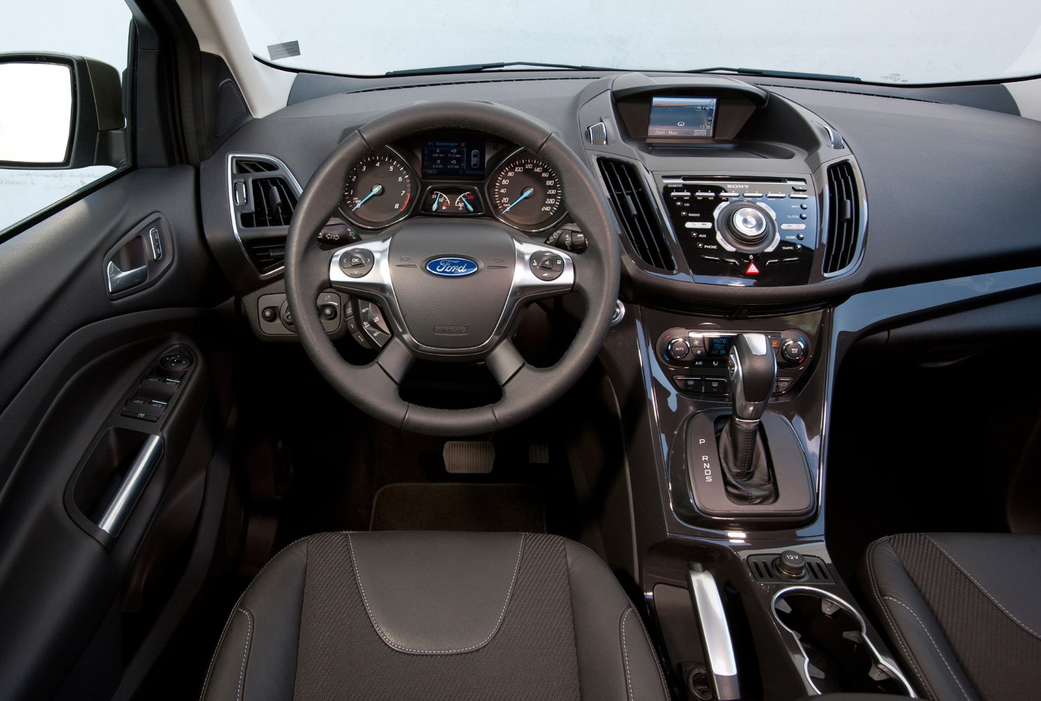 Ford kuga estate 2012 photos parkers for Interieur trends 2015