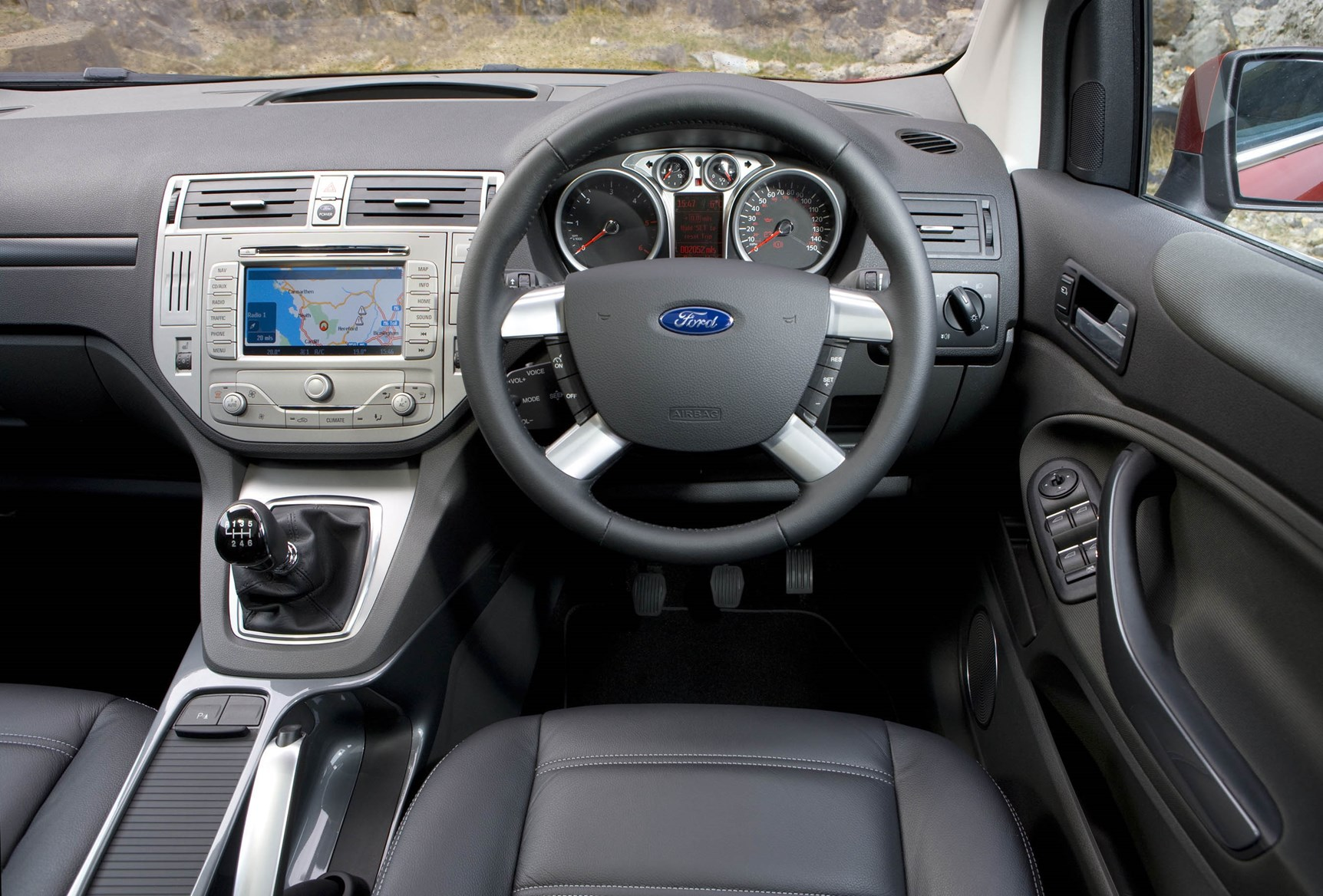 Ford kuga estate 2008 2012 driving performance parkers for Interior ford kuga
