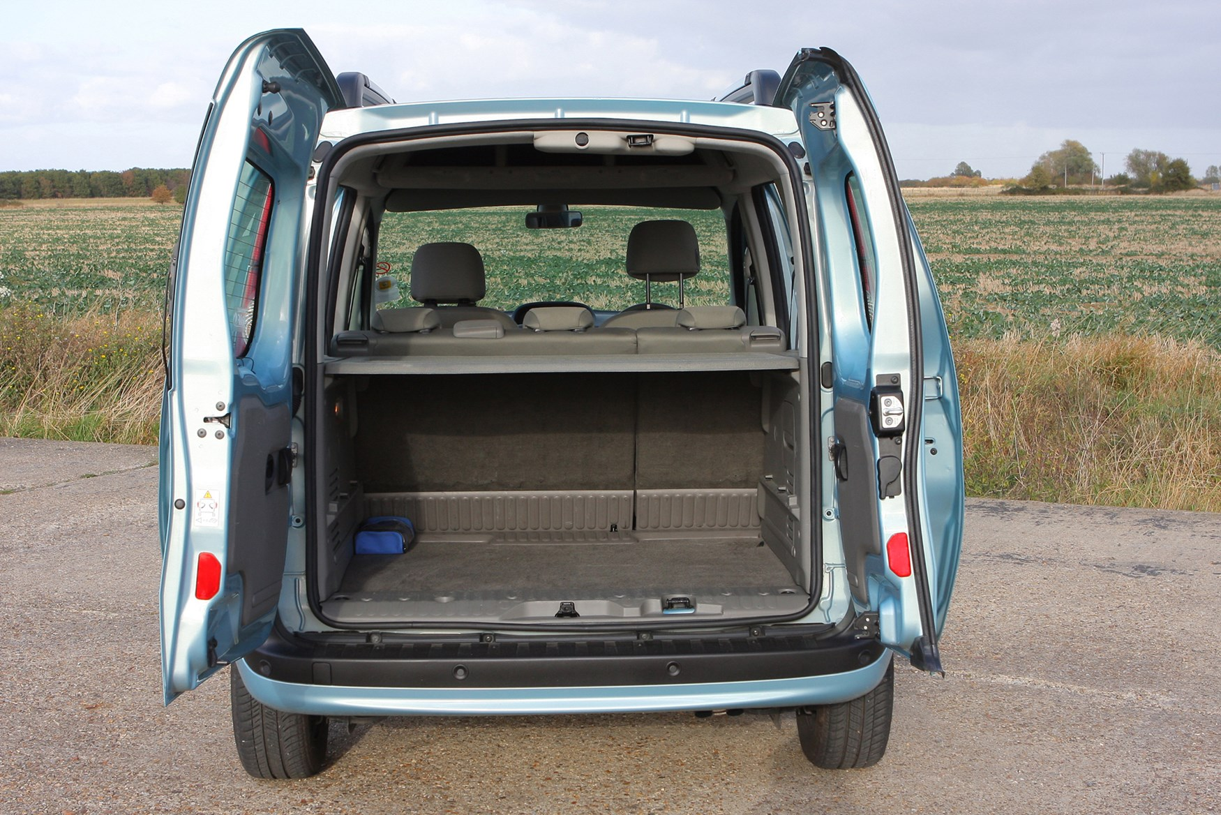 Renault Kangoo Estate (2009 - 2012) Features, Equipment and ...