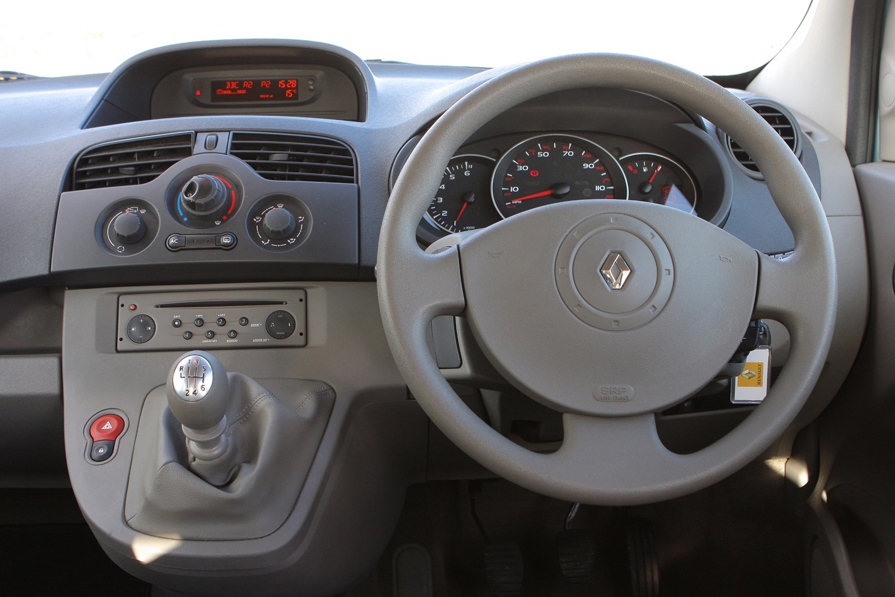 renault kangoo estate (2009 - 2012) driving & performance   parkers