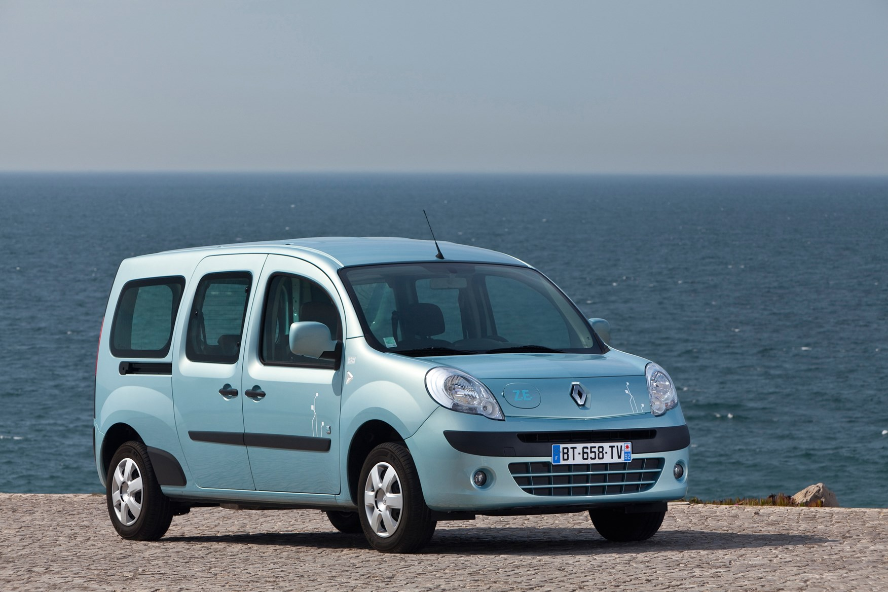 renault kangoo estate 2009 2012 photos parkers. Black Bedroom Furniture Sets. Home Design Ideas