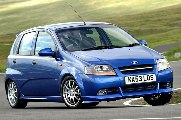 Daewoo Kalos Hatchback Review (2003 - 2005) | Parkers