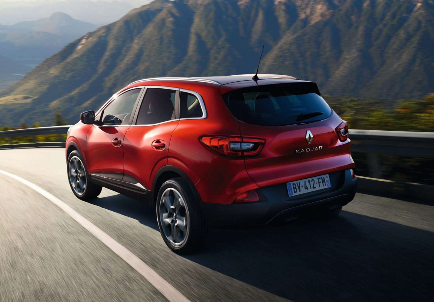 renault kadjar 4x4 2015 driving performance parkers. Black Bedroom Furniture Sets. Home Design Ideas