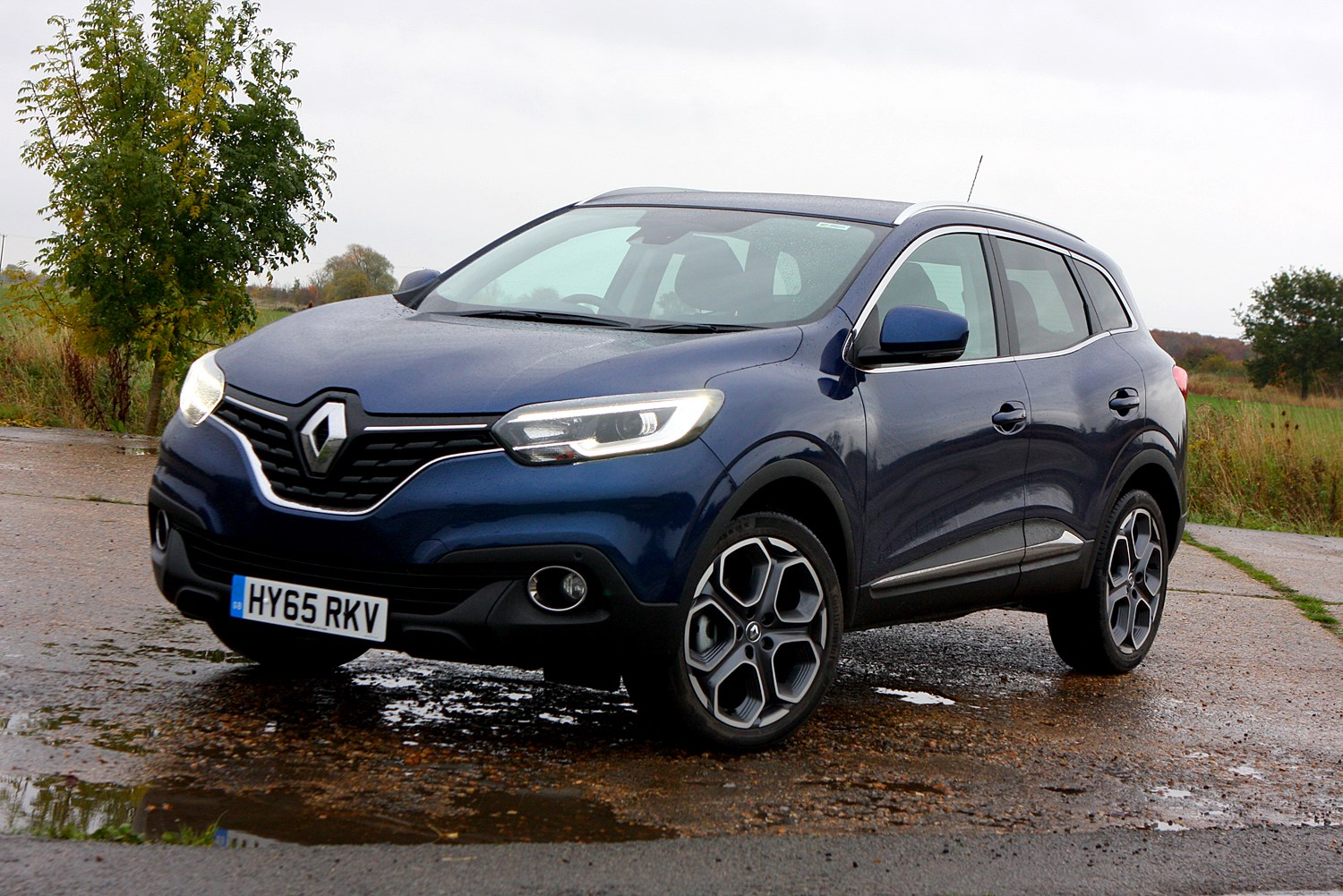 renault kadjar 4x4 2015 photos parkers. Black Bedroom Furniture Sets. Home Design Ideas