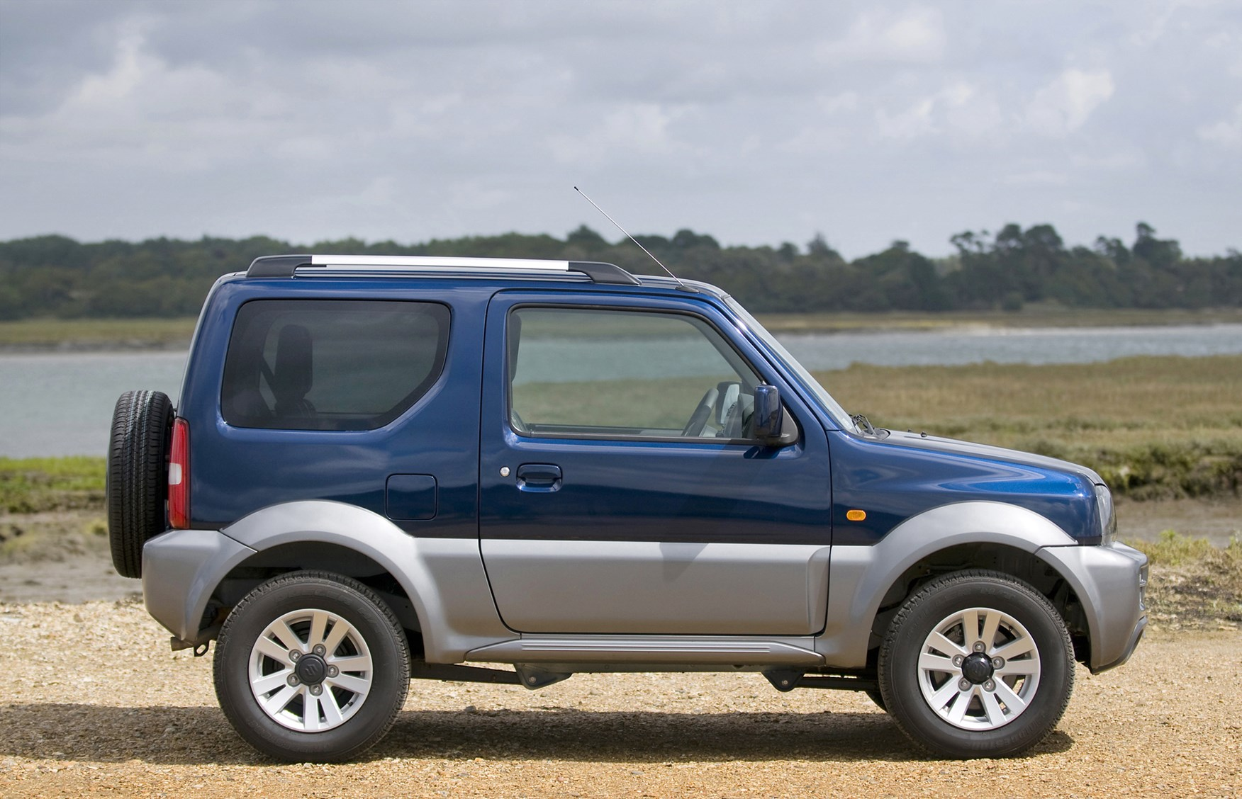 suzuki jimny estate review 1998 parkers. Black Bedroom Furniture Sets. Home Design Ideas