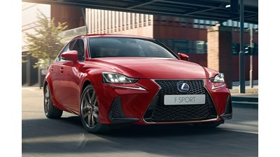 Lexus IS Saloon 300h auto 4d
