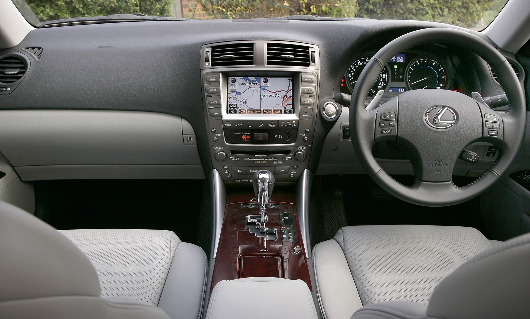 lexus is saloon 2005 2012 driving performance parkers. Black Bedroom Furniture Sets. Home Design Ideas