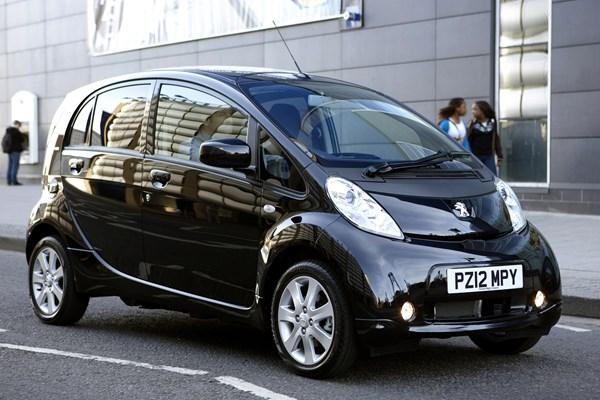 Peugeot 2012 iON
