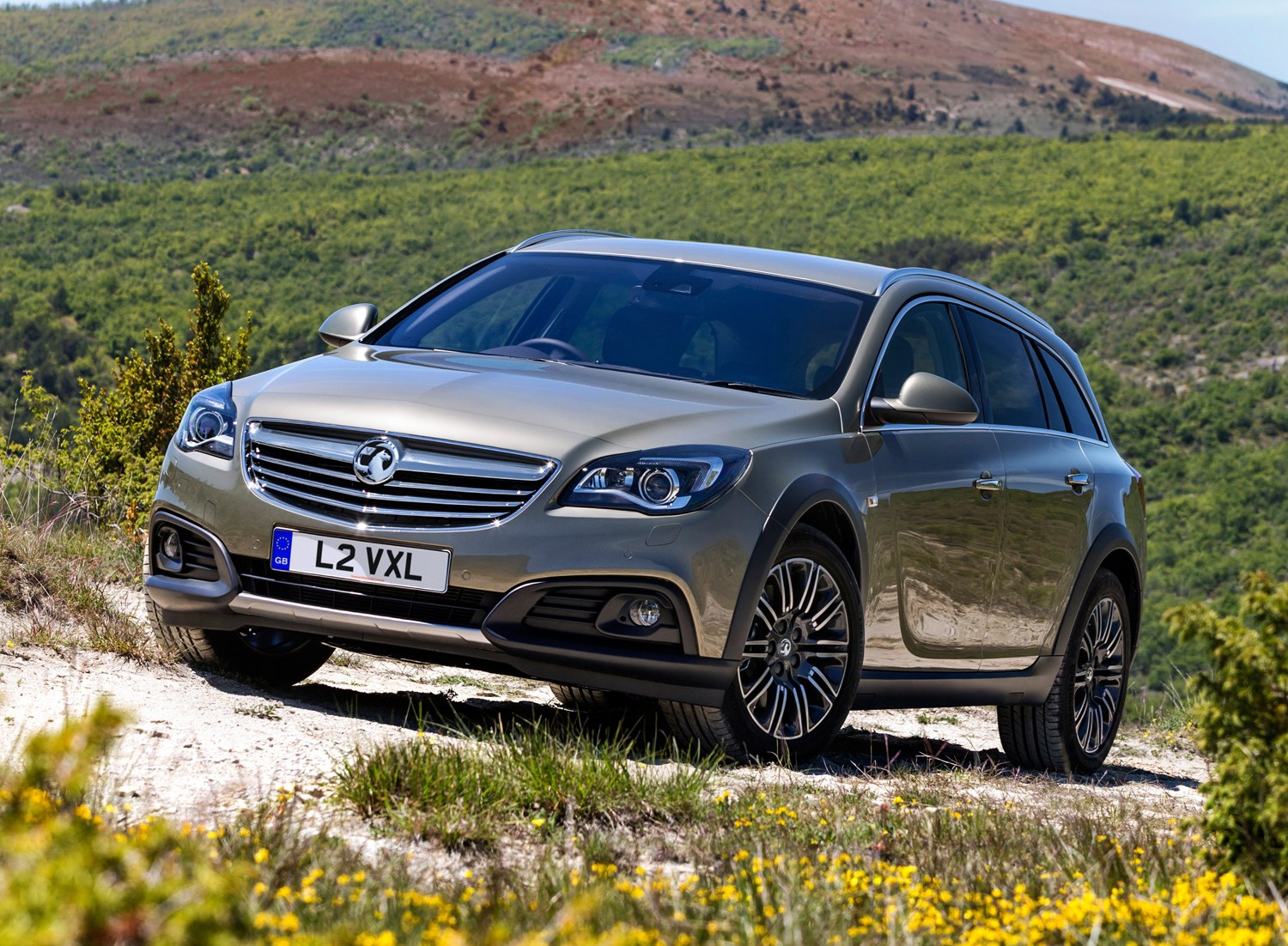 vauxhall insignia country tourer 2013 2015 photos parkers. Black Bedroom Furniture Sets. Home Design Ideas