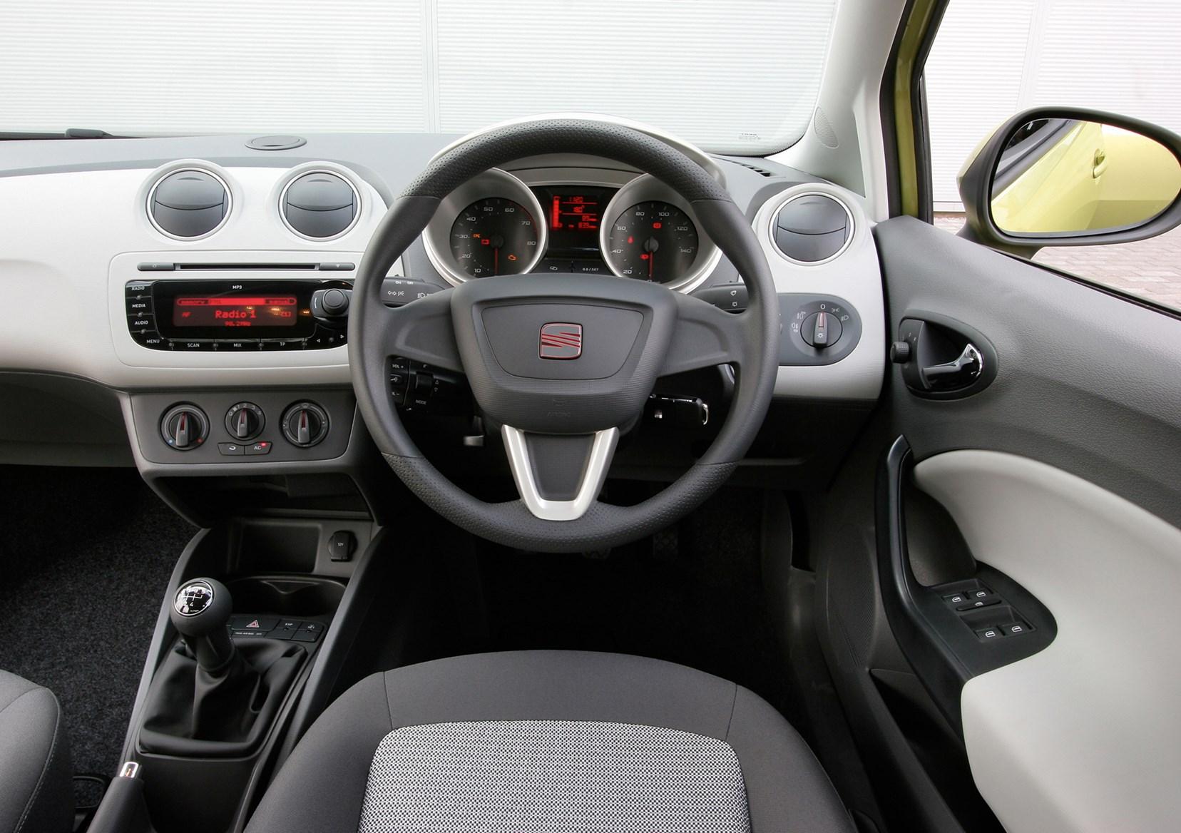 seat ibiza hatchback 2008 driving performance parkers. Black Bedroom Furniture Sets. Home Design Ideas