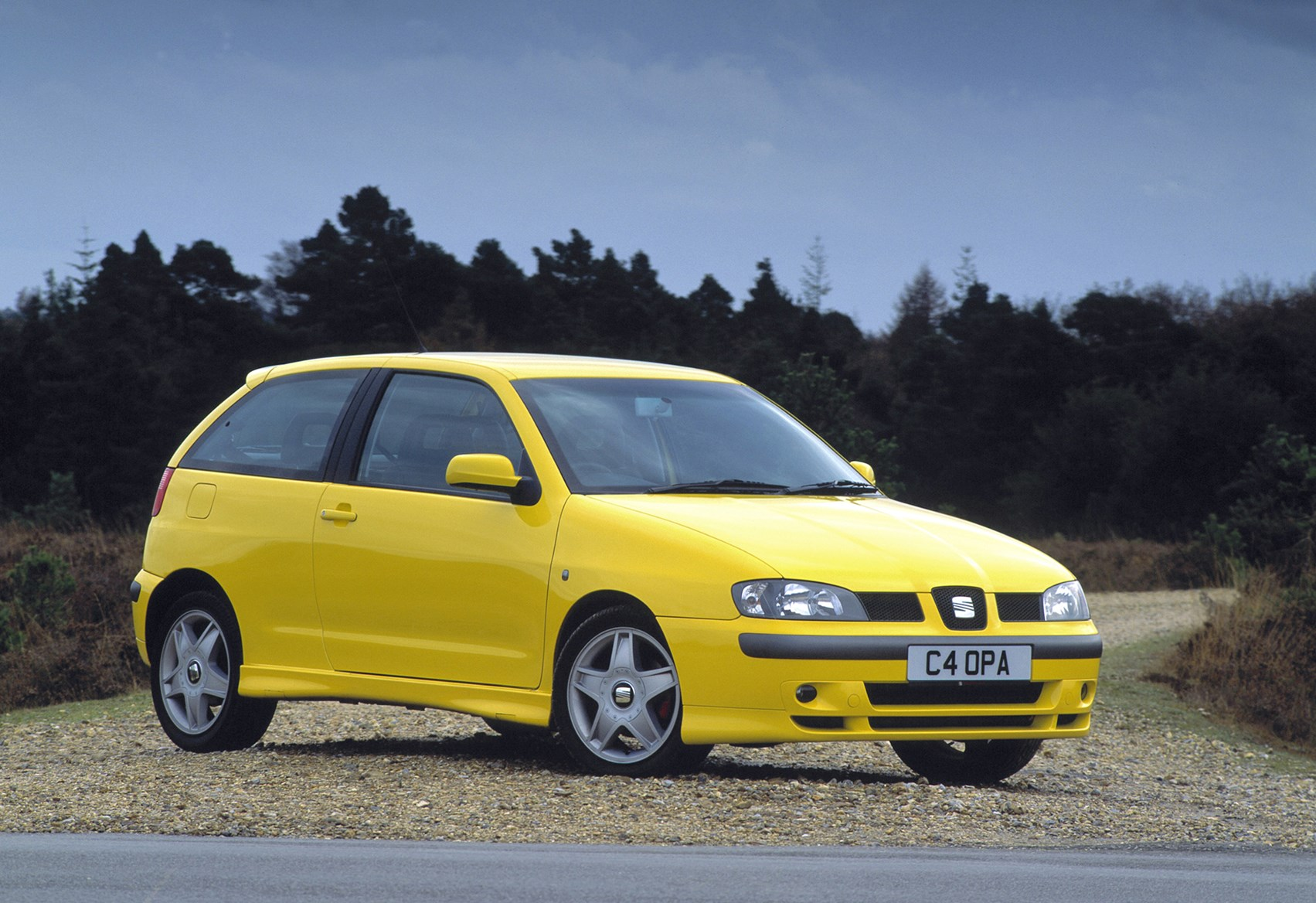 seat ibiza hatchback 1999 2002 photos parkers. Black Bedroom Furniture Sets. Home Design Ideas