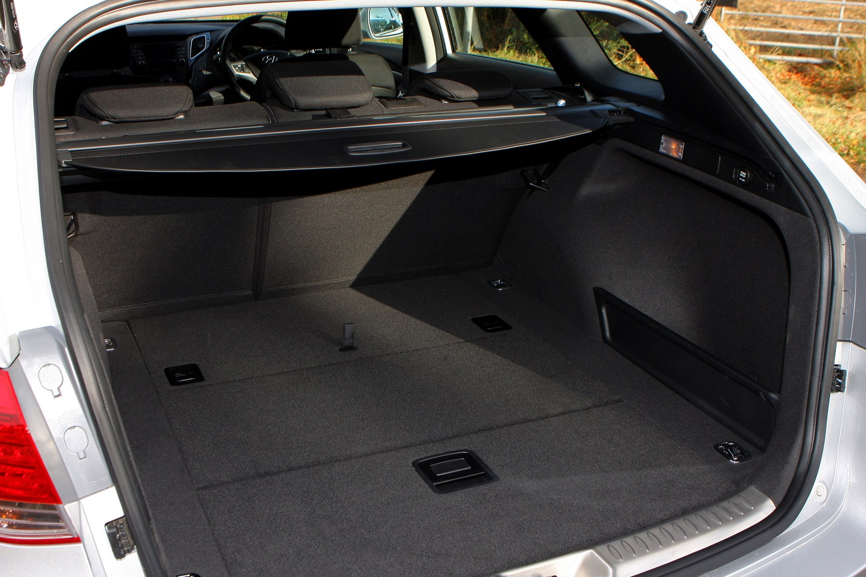boot dimensions i40 Hyundai