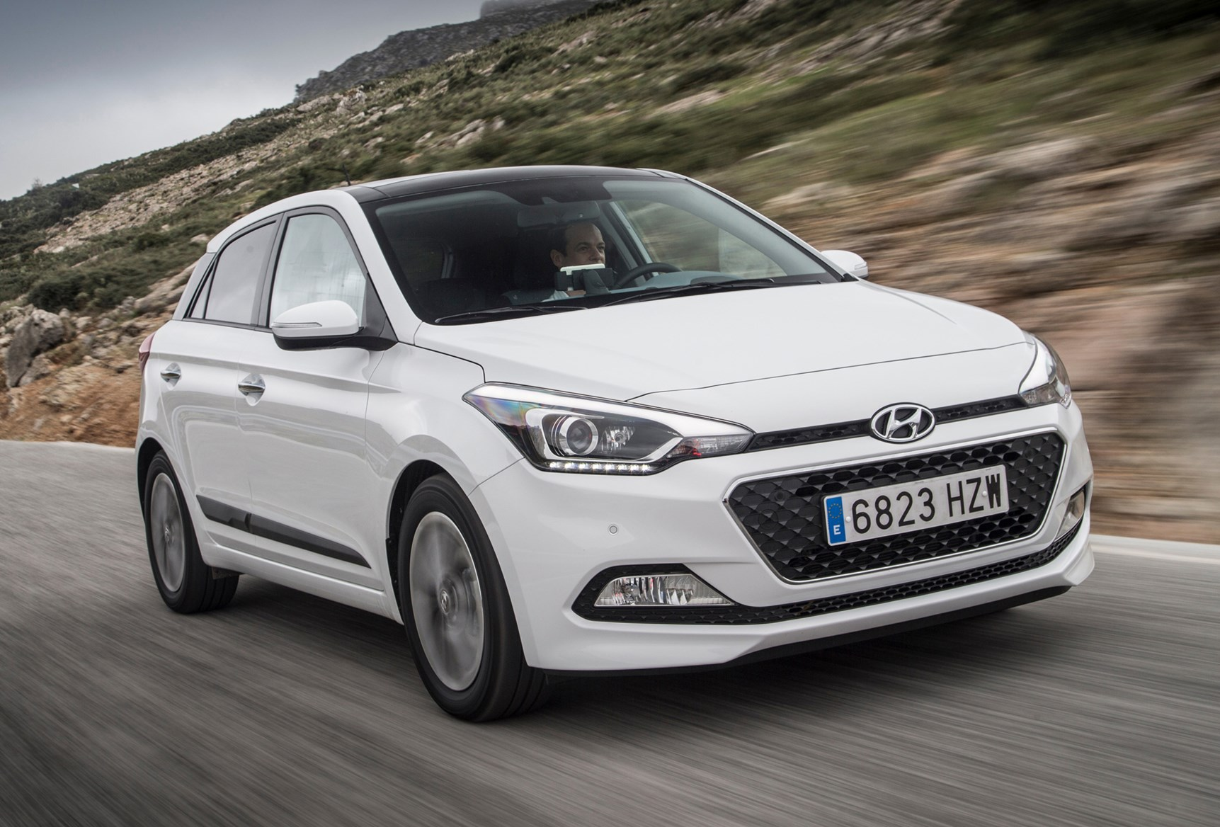 hyundai i20 hatchback 2015 driving performance parkers. Black Bedroom Furniture Sets. Home Design Ideas