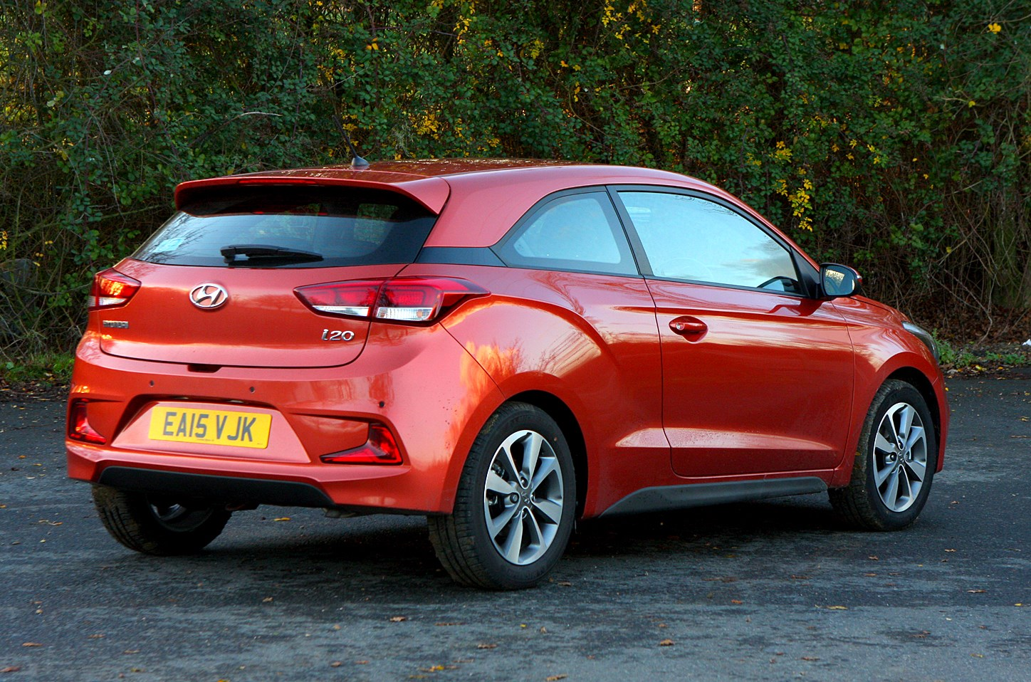 Hyundai i20 Coupe (2015 - 2017) Photos | Parkers