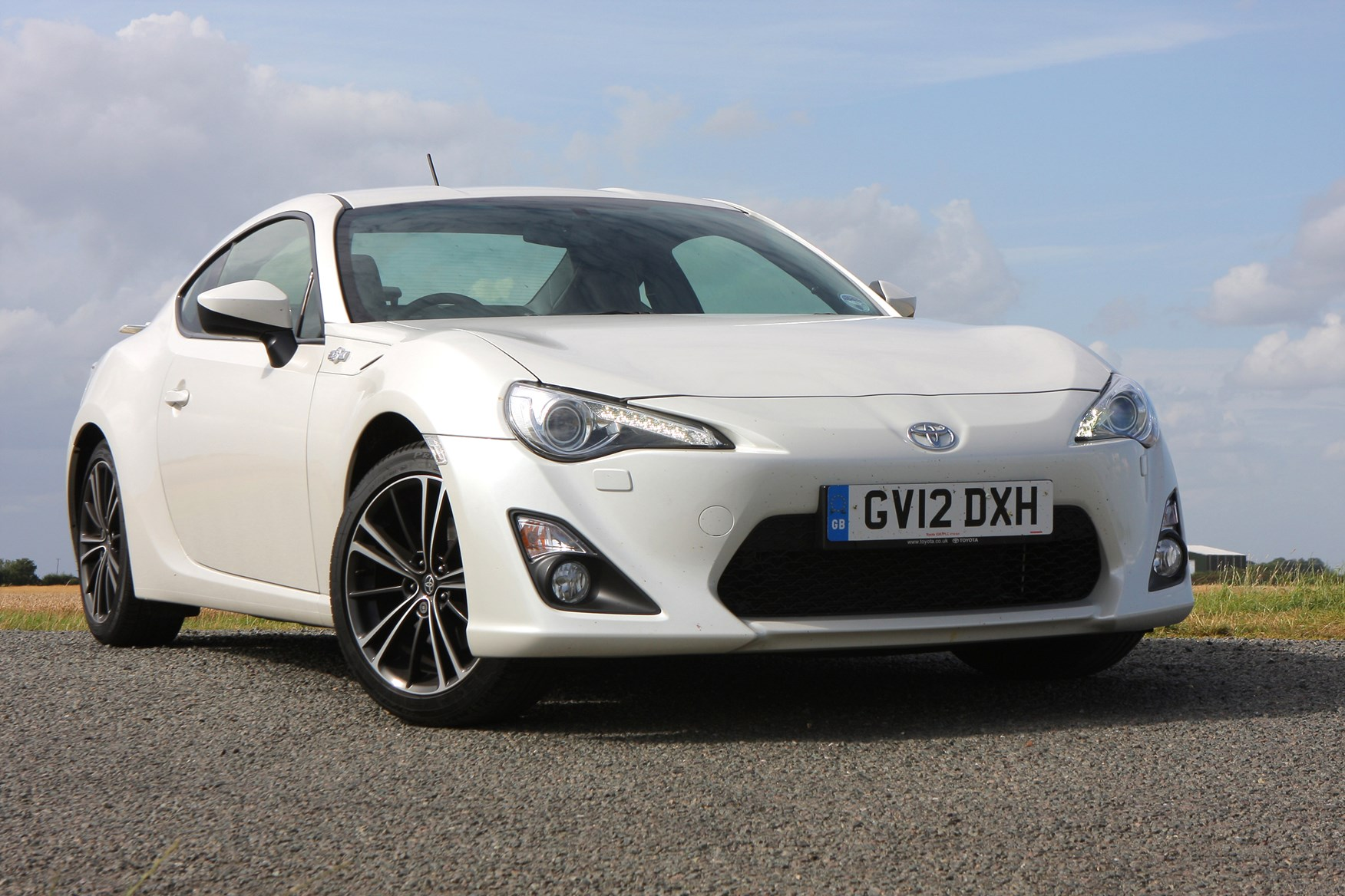 toyota gt86 coupe 2012 photos parkers. Black Bedroom Furniture Sets. Home Design Ideas