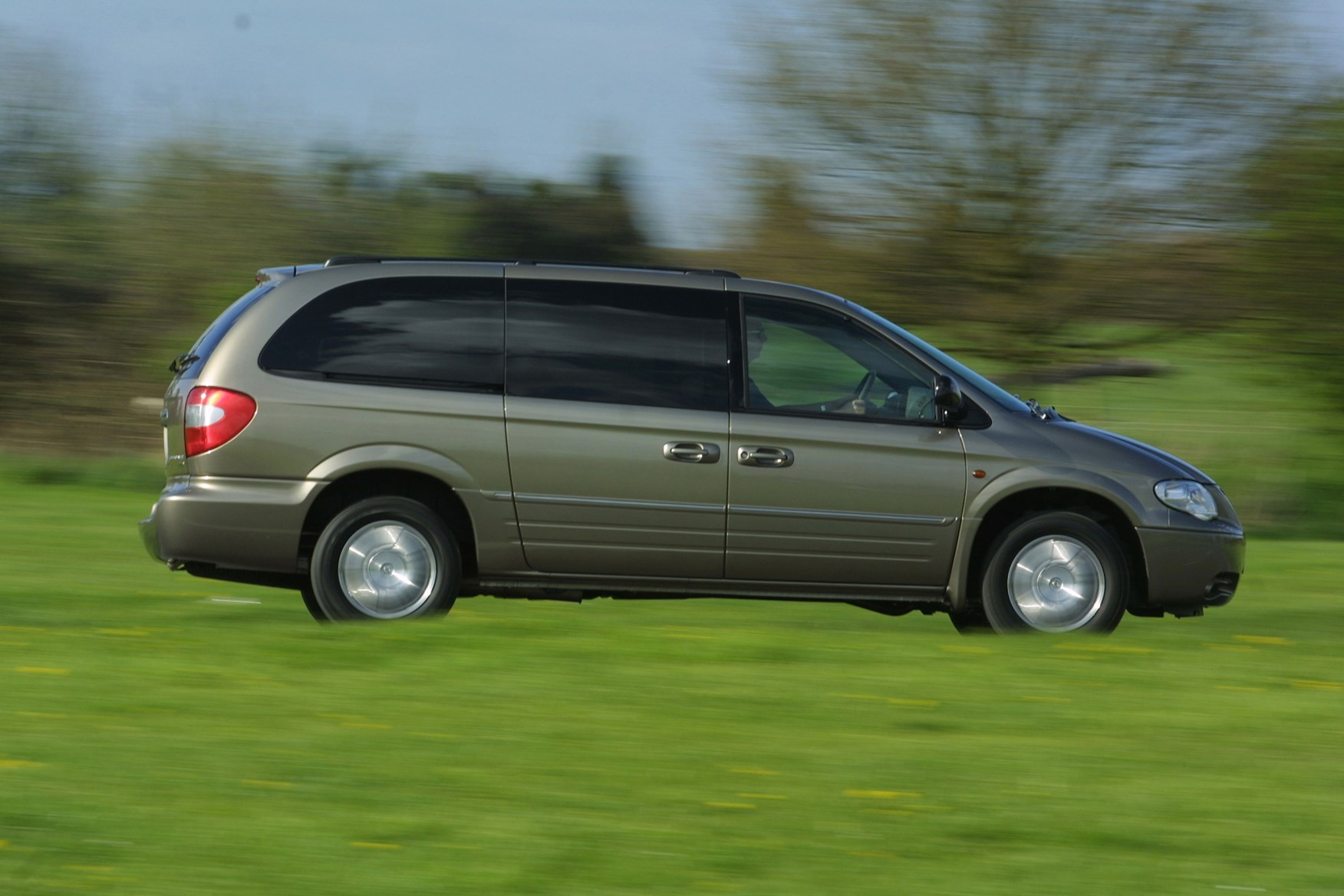 chrysler grand voyager estate 2001 2008 driving performance parkers. Black Bedroom Furniture Sets. Home Design Ideas