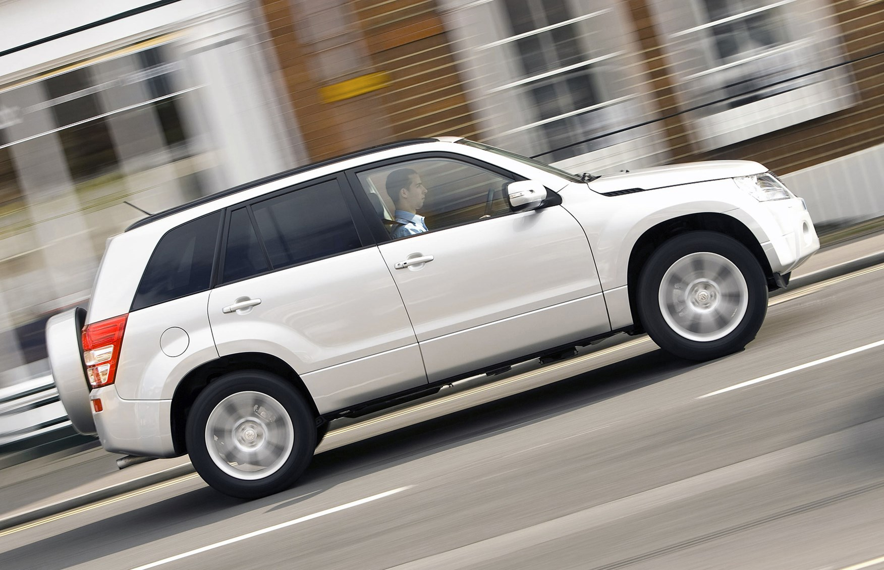 Suzuki grand vitara estate review 2005 2014 parkers handling fandeluxe Gallery