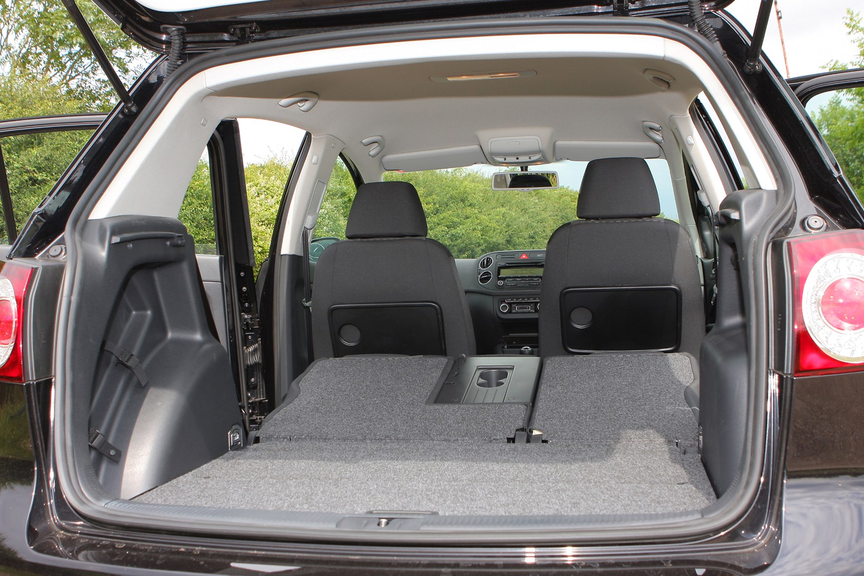 volkswagen golf plus 2009 2013 features equipment and accessories parkers. Black Bedroom Furniture Sets. Home Design Ideas