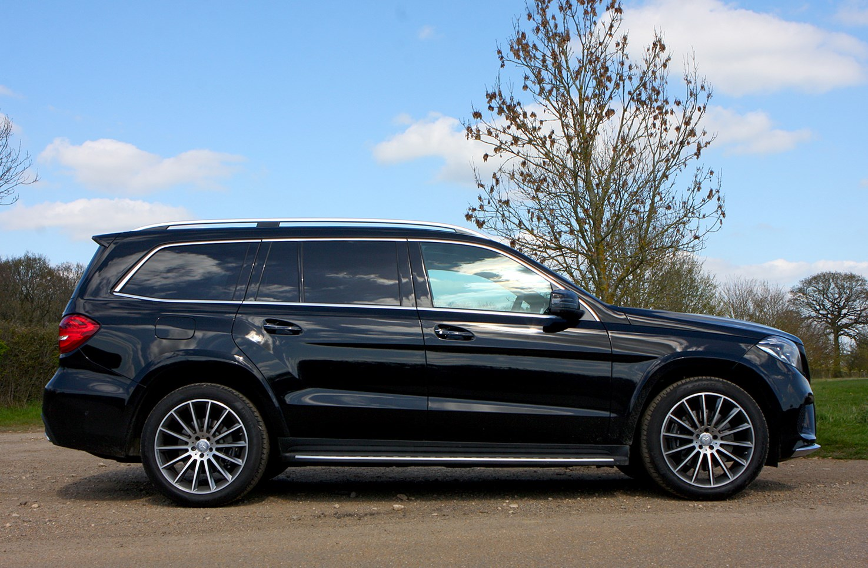 Mercedes benz gls class suv 2016 photos parkers for Mercedes benz gls