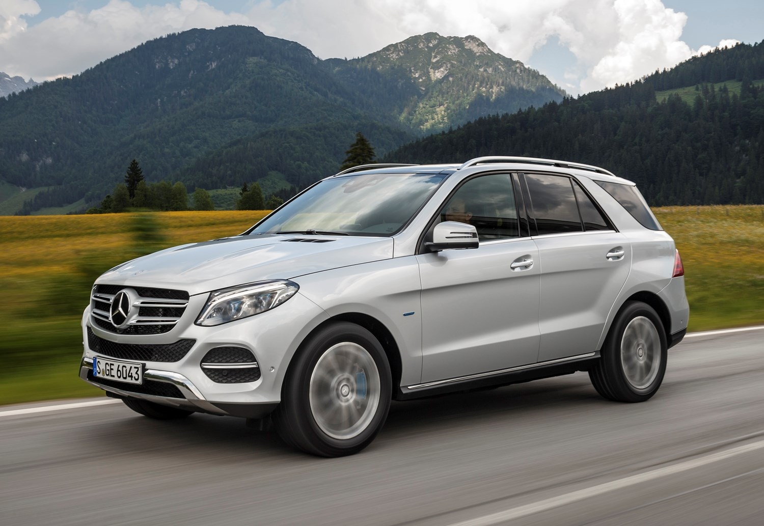 Mercedes Gle 350 4matic >> Mercedes-Benz GLE-Class 4x4 (2015 - ) Photos | Parkers