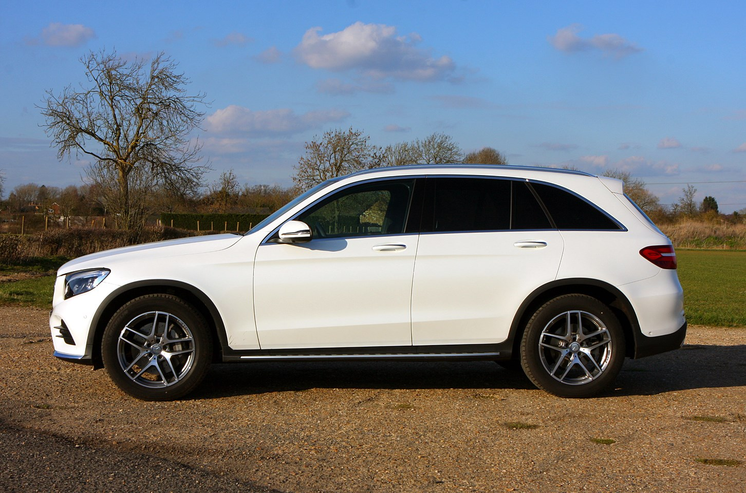Mercedes benz glc class 4x4 2015 photos parkers for Mercedes benz glc