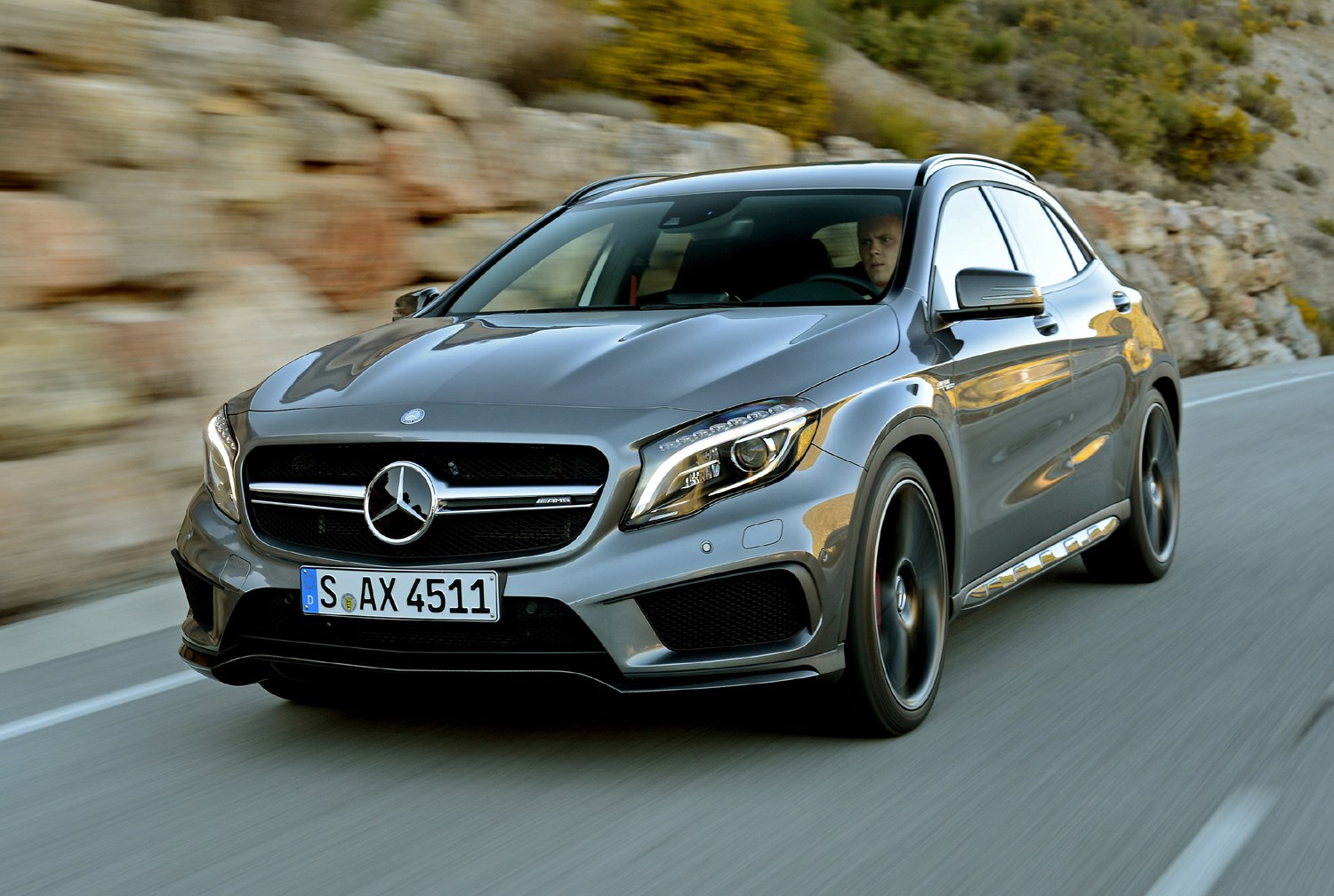 mercedes benz gla class amg 2014 2017 photos parkers. Black Bedroom Furniture Sets. Home Design Ideas