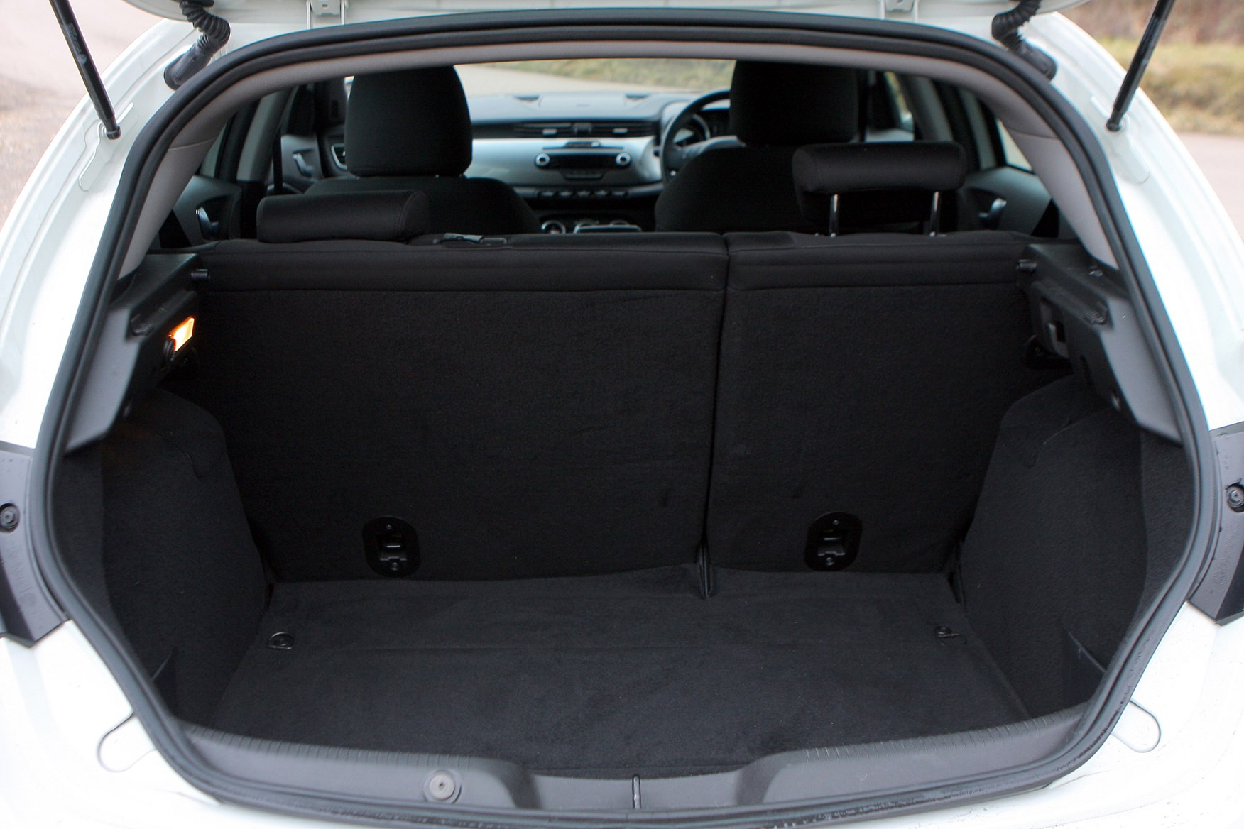 Alfa romeo mito boot space 15