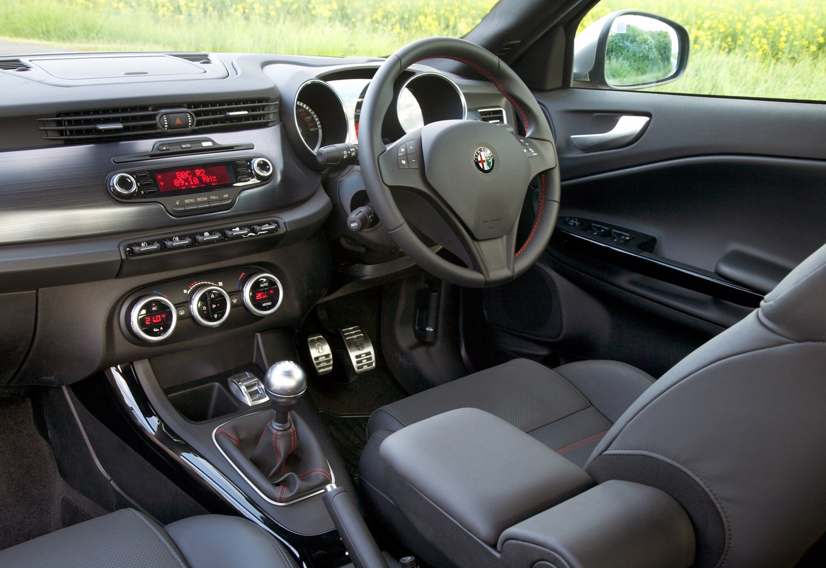 Alfa Romeo Giulietta Hatchback Review 2010 Parkers