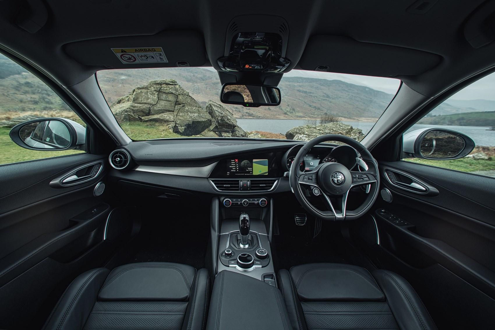 2016 Alfa Romeo Giulia Quadrifoglio Interior