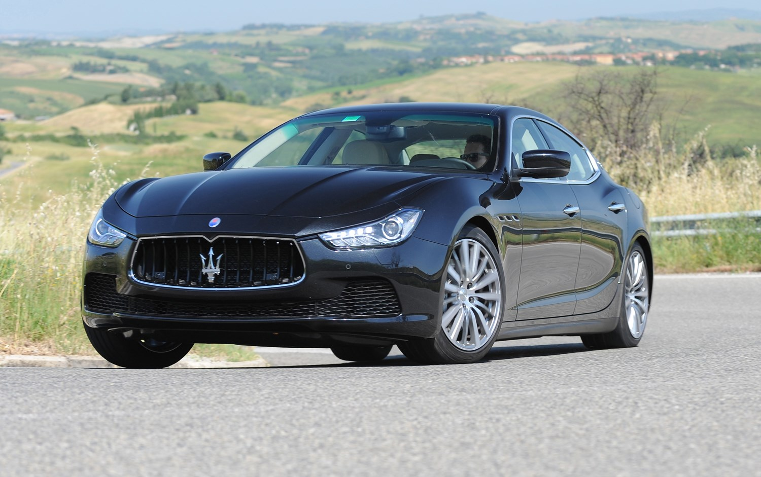 maserati ghibli saloon 2013 photos parkers. Black Bedroom Furniture Sets. Home Design Ideas