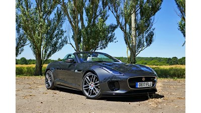 Jaguar F-Type Roadster R-Dynamic 2.0 i4 Turbocharged 300PS auto 2d