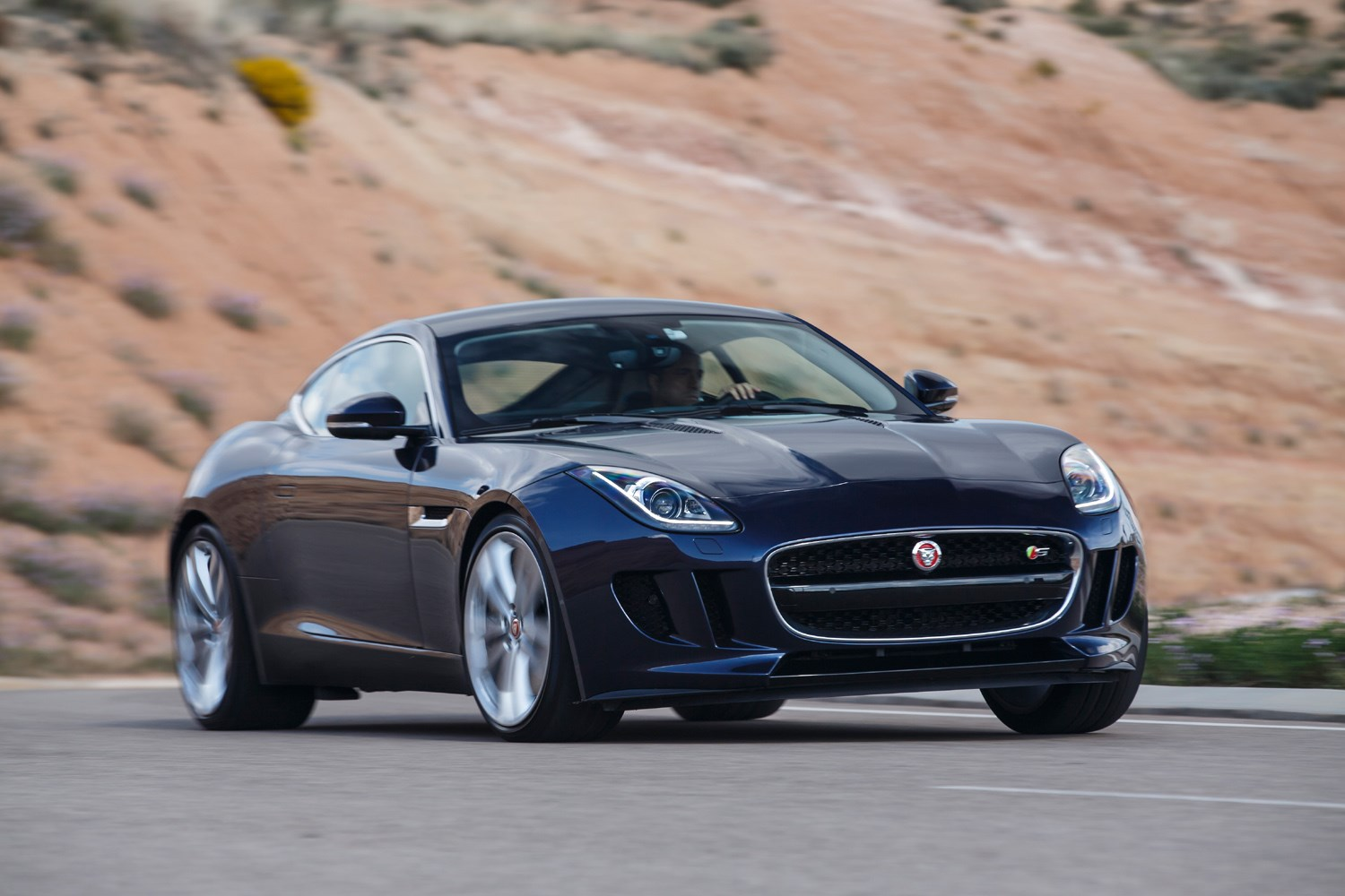 2014 jaguar f type reviews specs and autos post. Black Bedroom Furniture Sets. Home Design Ideas