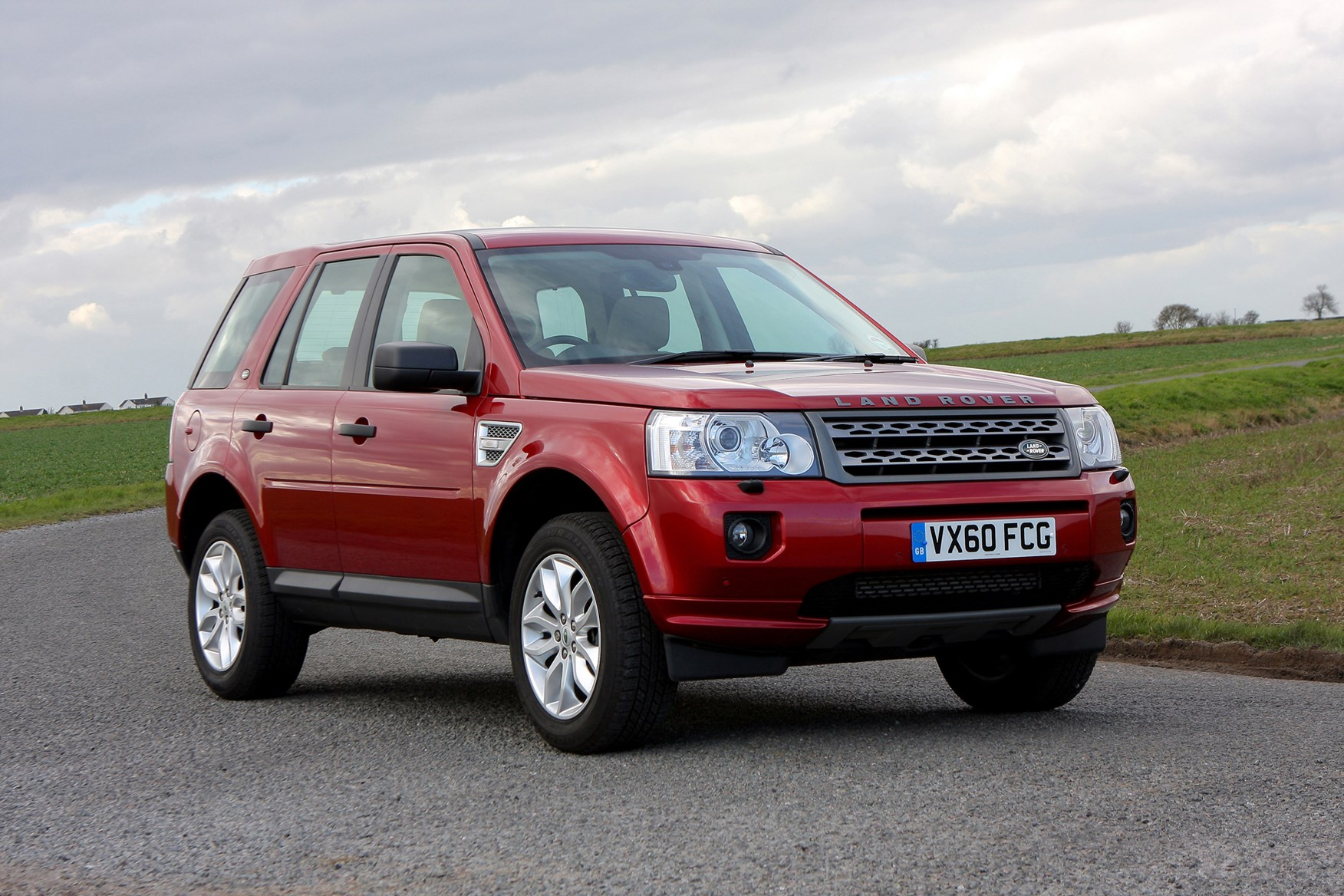 land rover freelander station wagon 2006 2014 photos parkers. Black Bedroom Furniture Sets. Home Design Ideas