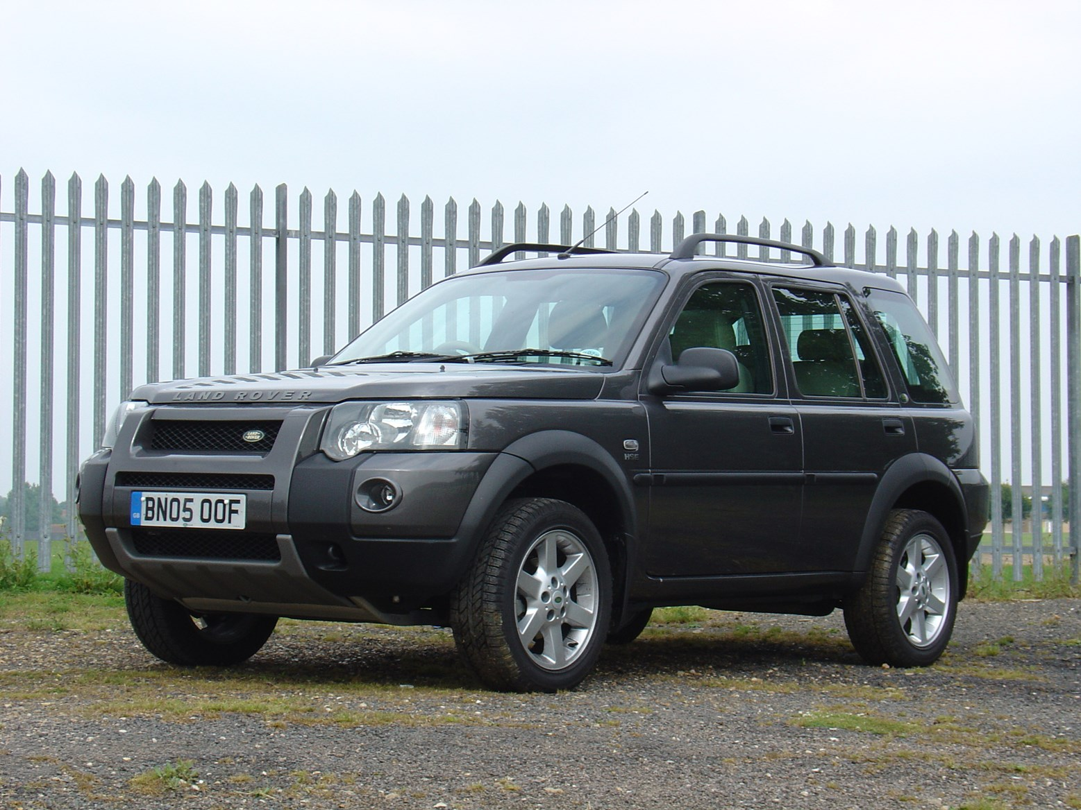 land rover freelander station wagon 2003 2006 photos parkers. Black Bedroom Furniture Sets. Home Design Ideas
